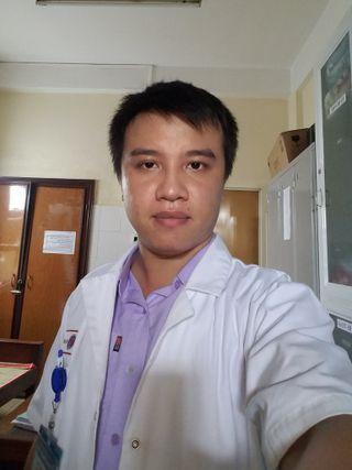 bac si Nguyễn Đình Hòa